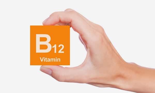 b12 vitamini eksikliği belirtileri tedavisi nelere sebep olur