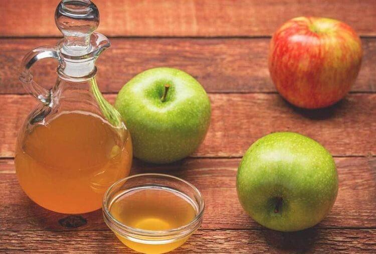 Organik Elma Sirkesinin 7 Mükemmel Faydası